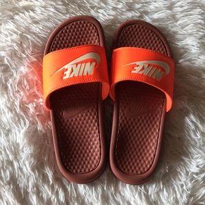 Women's Nike Slides EUC